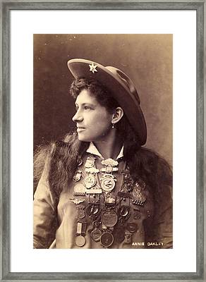 Annie Oakley Framed Print by Hulton Archive