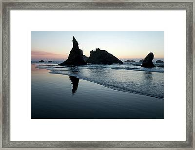 Framed Print featuring the photograph Bandon By The Sea 102018 by Rospotte Photography