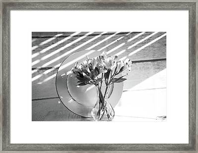 Bouquet And Plate-bw Framed Print