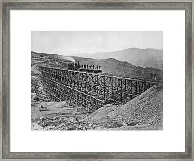 Bridge Building Framed Print by Hulton Archive