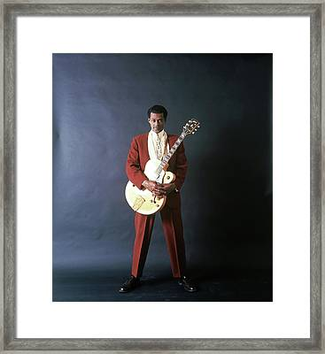 Chuck Berry Portrait Session Framed Print by Michael Ochs Archives