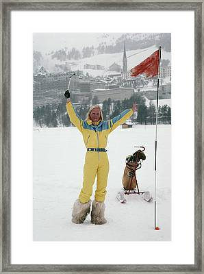 Hole In One Framed Print by Slim Aarons