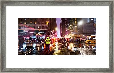 Manhattan Nye Framed Print