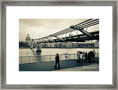 Millennium Bridge 03 Framed Print