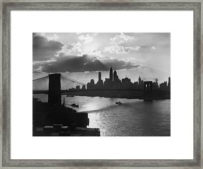 New York Silhouette Framed Print by Hulton Archive