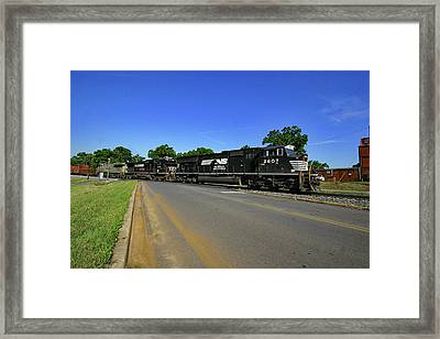Framed Print featuring the photograph Norfolk Southern 2607 Color by Joseph C Hinson Photography