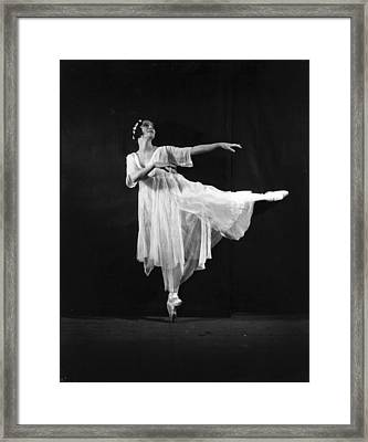 Pavlova In Giselle Framed Print by General Photographic Agency