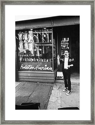 Ralston Farina Performs On West Broadway Framed Print by Fred W. McDarrah