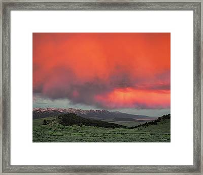 Red Rock Pass Framed Print by Leland D Howard