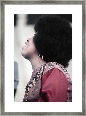 Roberta Flack At Newport Framed Print by Michael Ochs Archives