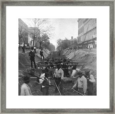 Sewer Digging Framed Print by Hulton Archive
