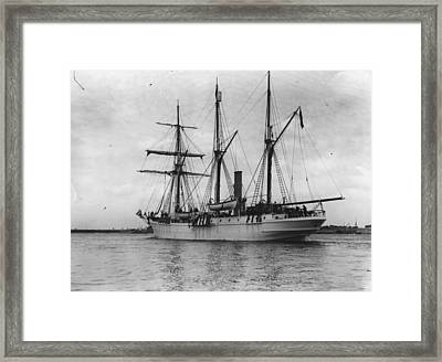 Ss Endurance Framed Print by Topical Press Agency