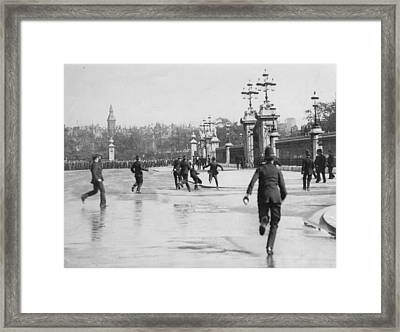 Suffragettes Framed Print by Central Press