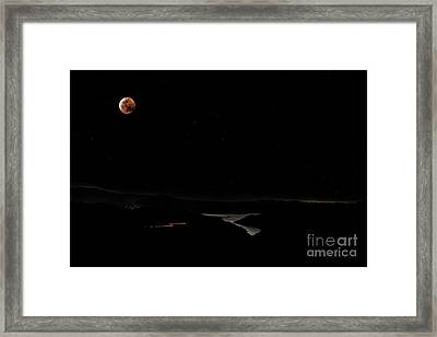 Super Blood Wolf Moon Eclipse Over Lake Casitas At Ventura County, California Framed Print