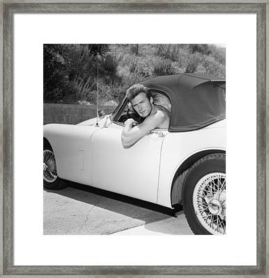 The Man With No Shirt Framed Print by Hulton Archive