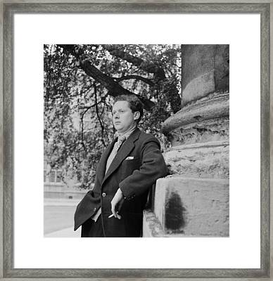Thomas Leaning Framed Print by Francis Reiss