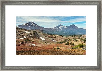 Framed Print featuring the photograph Three Sisters From Tam Macarthur Rim by Stuart Gordon