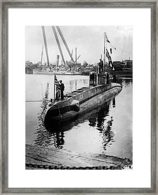 U-boat Framed Print by Hulton Archive