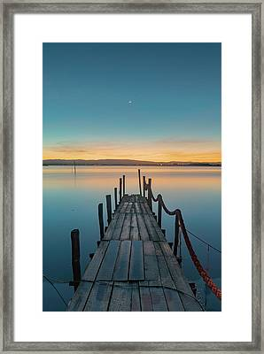 Framed Print featuring the photograph Walk Off by Bruno Rosa