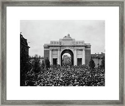 War Memorial Framed Print by Davis