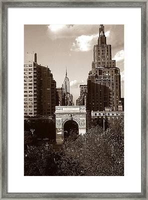 Washington Arch And New York University - Vintage Photo Art Framed Print