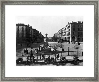 Zaragoza Fountain Framed Print by Hulton Archive