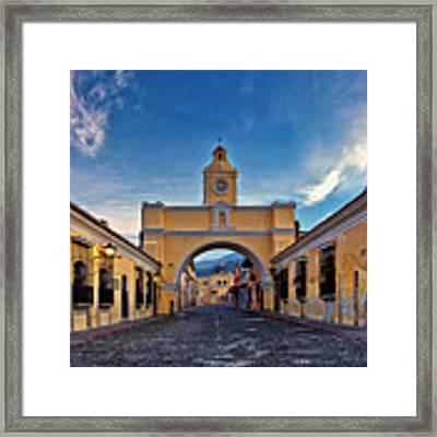 El Arco De Santa Catarina, Antigua, Guatemala Framed Print by Sam Antonio Photography