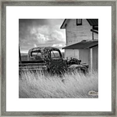 Old Truck At Farmhouse Framed Print by William Havle