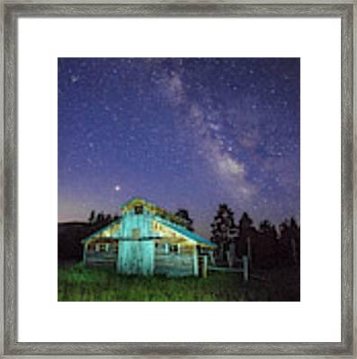 Barn In Rocky 2 Framed Print by Gary Lengyel