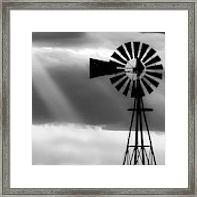 Bw Windmill And Crepuscular Rays -01 Framed Print by Rob Graham