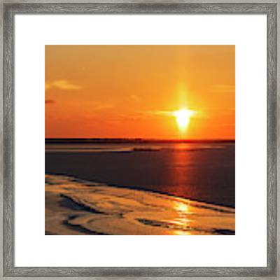 Sun Pillar 02 Framed Print by Rob Graham