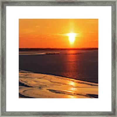 Sun Pillar 03 Framed Print by Rob Graham