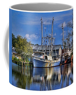 Coffee Mug featuring the photograph Lady Helen by Victor Montgomery