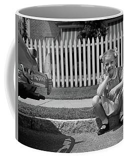 1940s Girl Sitting On Curb With Tooth Coffee Mug