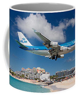 K L M Landing At St. Maarten Coffee Mug by David Gleeson