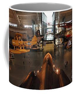 Sr71 Blackbird At The Udvar Hazy Air And Space Museum Coffee Mug