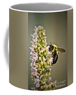 A Bumble Bee Working Coffee Mug