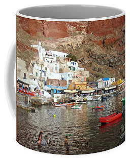 A Splash In Amoudi Bay  Coffee Mug by Suzanne Oesterling