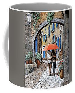 Abbracciati Sotto L'arco Coffee Mug