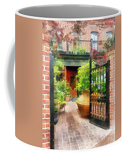 Baltimore - Restaurant Courtyard Fells Point Coffee Mug