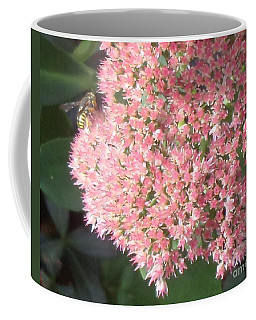 Bee Climbing Coffee Mug