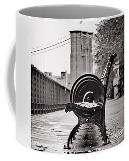 Bench's Circles And Brooklyn Bridge - Brooklyn Heights Promenade - New York City Coffee Mug