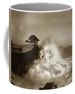 Big Wave Hitting The Lone Cypress Tree Pebble Beach California 1916 Coffee Mug