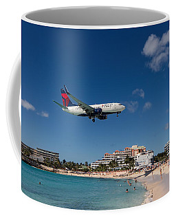 Delta 737 St. Maarten Landing Coffee Mug by David Gleeson