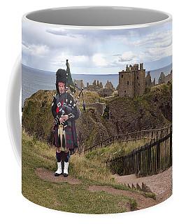 Dunnottar Piper Coffee Mug