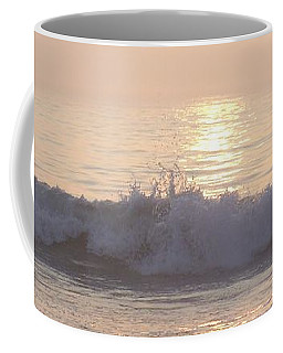 Hampton Beach Wave Ends With A Splash Coffee Mug