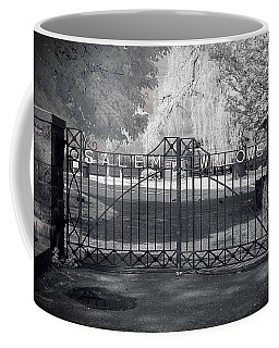 Coffee Mug featuring the photograph Entry To Salem Willows by Jeff Folger