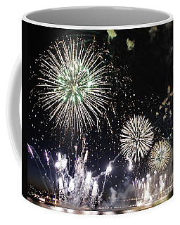 Coffee Mug featuring the photograph Fireworks Over The Hudson River by Lilliana Mendez
