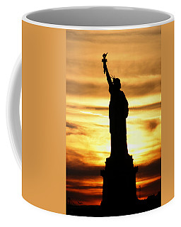 Statue Of Liberty Silhouette Coffee Mug