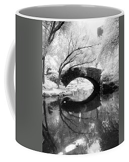 Central Park Photograph - Gapstow Bridge Vertical Coffee Mug
